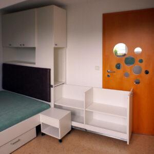 Jugendzimmer, Mattweiss